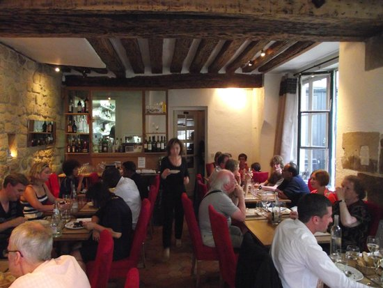 L'Epigramme: Cosy restaurant interior