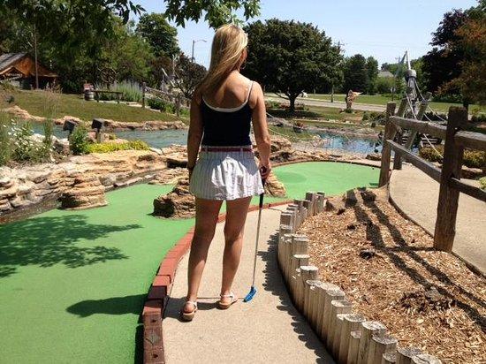 Pirate's Cove Mini Golf : Beutiful course!
