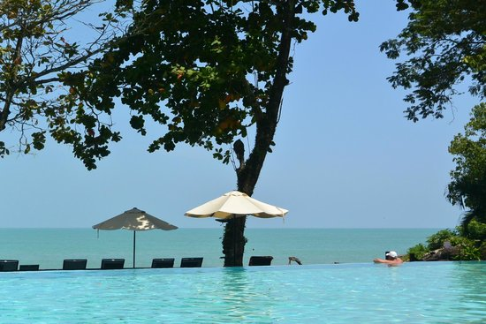 Century Langkawi Beach Resort: Poolview