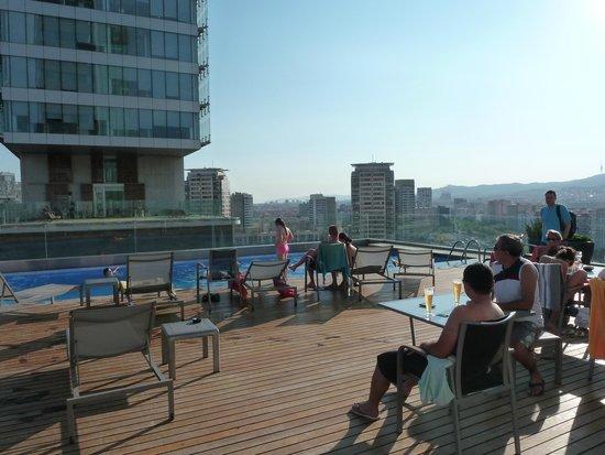 AC Hotel Barcelona Forum by Marriott : Piscine vue ville 13ième étage