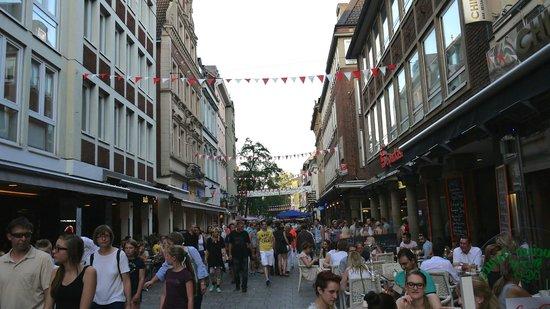 Altstadt: The crowd