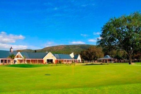 Bushman Sands Golf Lodge: Lodge Exterior