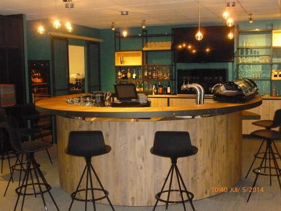 Ibis Styles Tours Sud : Bar