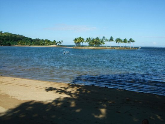 Naviti Resort: looking out to the lagoon