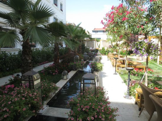 Sura Hagia Sophia Hotel: jardin