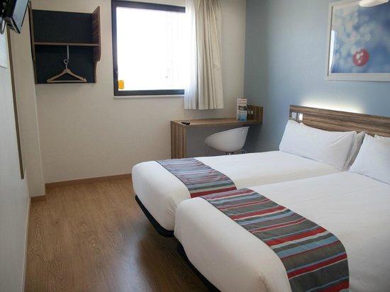 Travelodge Madrid Alcala: Twin room