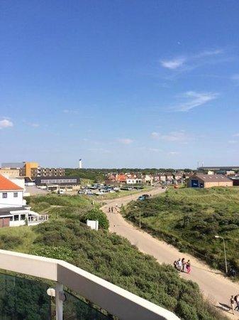 Fletcher Hotel-Restaurant Zeeduin: View towards the city.