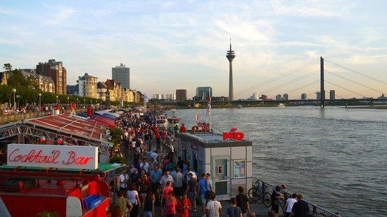 Rheinufer: Bars