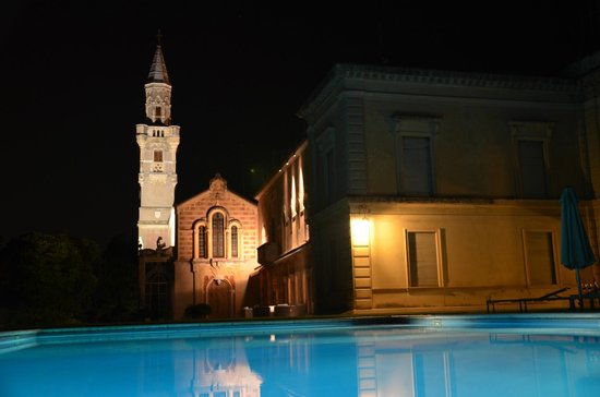 Villa d'Acquarone: View from the pool at night