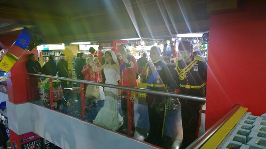 Hamleys Toy Store: The Royal Family