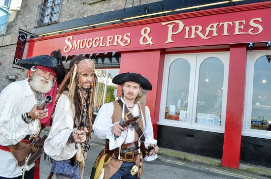 Smugglers and Pirates Experience: Pirates