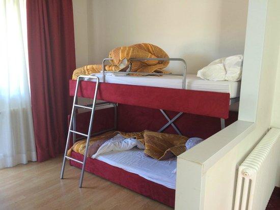 Hotel Orso Grigio: Letti per bambini