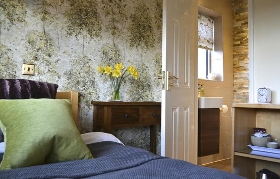 Catherine House: Our single en-suite room