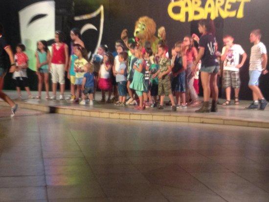 Villaggio Torre Ruffa Robinson: Baby dance