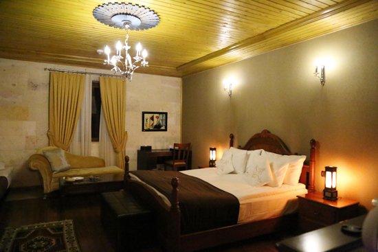 Cappadocia Cave Resort & Spa: 私たちが泊まった部屋は古城風のインテリア