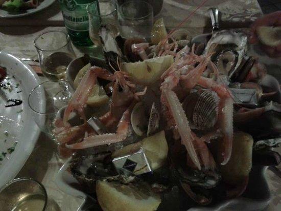 Ristorante Vecchia Taverna : cruditè di mare