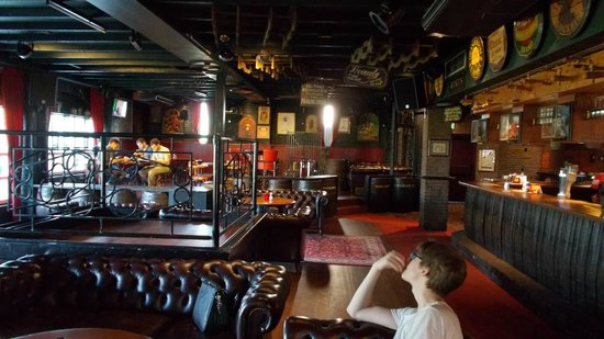 Carlton Oasis Hotel : Pub / restaurant