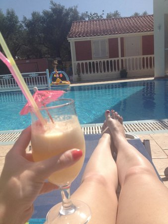 Zante Pantheon Hotel : Can't get better than this, cocktails brought to you at your sun lounger. Picture doesn't do it