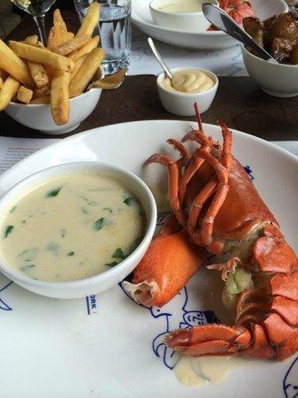 Hotel New York: Half a lobster anyone ?