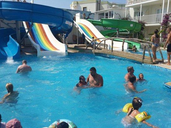 Bodrum Beach Resort: Kaydıraklı havuzzz