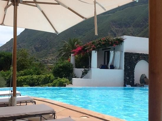 Hotel Signum : mountain view from the pool
