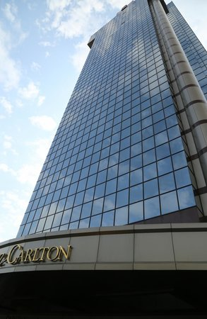 The Ritz-Carlton, Istanbul: 外観は遠くからでも目立ちます