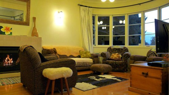 Kiwi Heritage Home Stay : Relaxing lounge