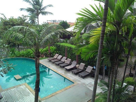 Lamai Buri Resort: Вид из номера на бассейн. Тишина и покой.
