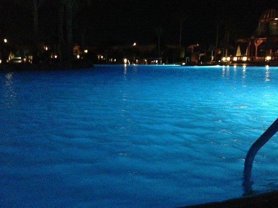 Radisson Blu Resort, Sharm El Sheikh : Big Pool At Night