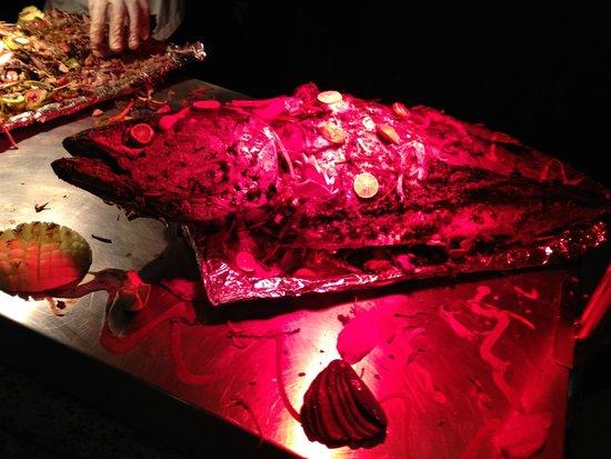 Parrotel Beach Resort : fish at buffet