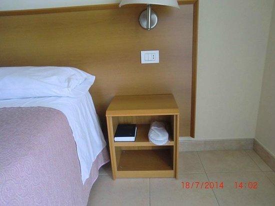 Hotel Alpi : dettaglio camera