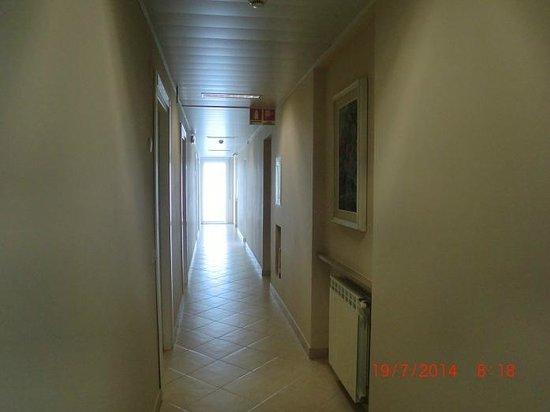 Hotel Alpi : corridoio