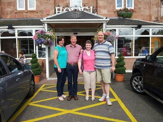 Bothwell Bridge Hotel: a couple of friends who travelled from New Zealand for the Reunion