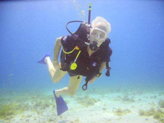 Scuba Diving Cancun : 18 July 2014 at 25ft depth