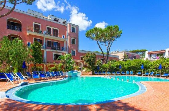 Hotel San Valentino Terme: outdoor swimming pool