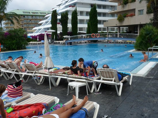 Aqua Hotel Onabrava : piscine