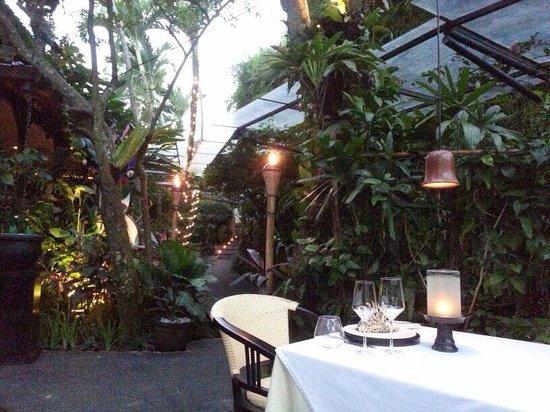 Mozaic Restaurant Gastronomique: Alfresco dining