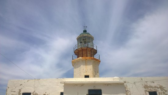 Armenistis Lighthouse: old and rusty