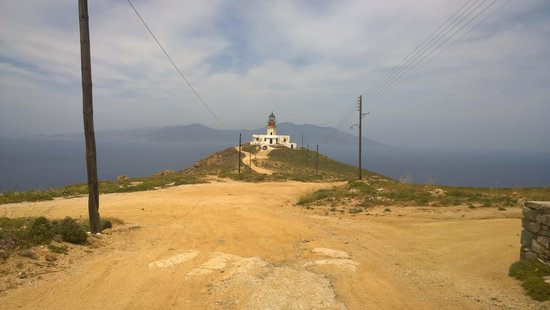 Armenistis Lighthouse: nearly there