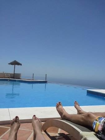 El Destino: A pool with a view