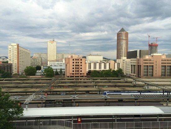 Ibis Styles Lyon Centre Gare Part-Dieu: panorama dalla camera sui binari della stazione