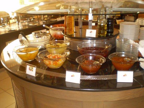 Atrium Hotel Thassos: breakfast rich and fresh