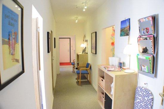 Sixmiles Guesthouse : The corridor