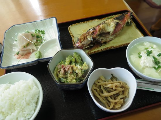 Minshuku Kotobuki: ある日の夕食(6:30-)