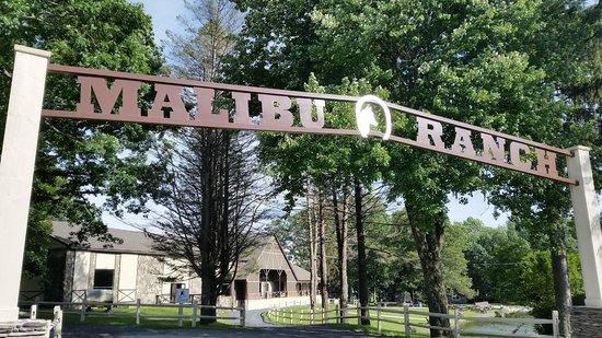 Malibu Dude Ranch: Main entrance
