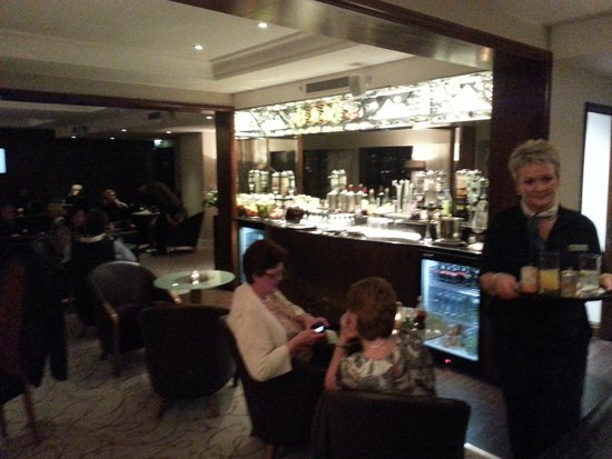 Hilton Belfast : The executive lounge and it's Happy Hour.