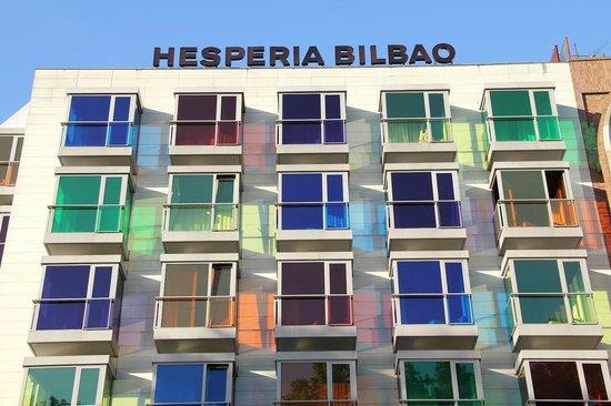 NH Collection Ria de Bilbao: Opvallende buitenzijde