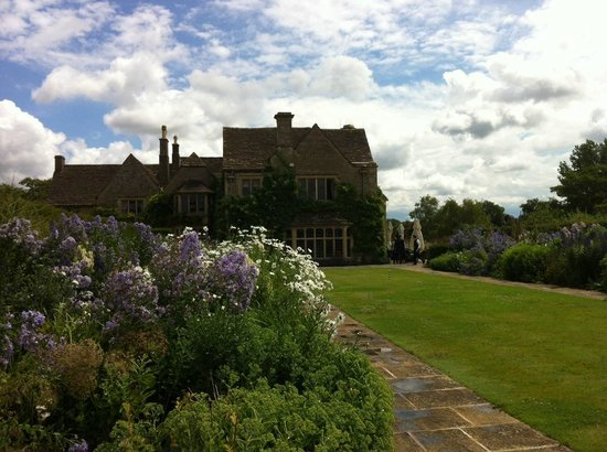 Whatley Manor Hotel & Spa: Lovely gardens