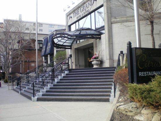 Grand Hotel Toronto: Eingang zum Hotel