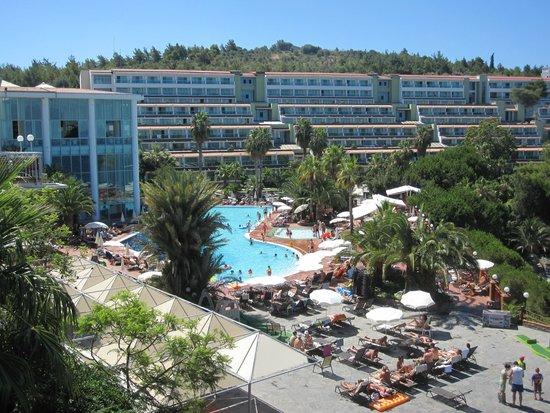 Pine Bay Holiday Resort: главный корпус